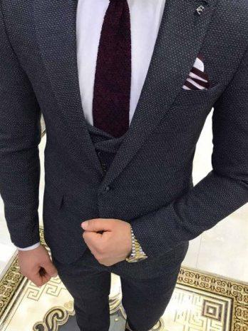 Серый фактурный костюм