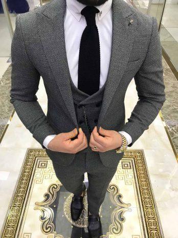Мужской костюм-тройка (светло-серый)
