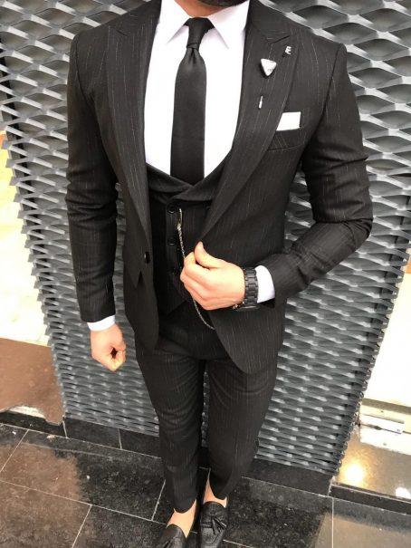 Приталенный костюм-тройка (черный)