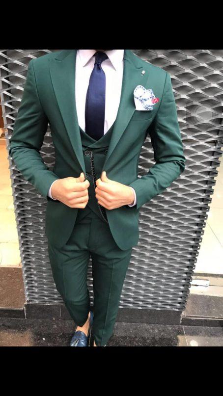 Зеленый костюм-тройка