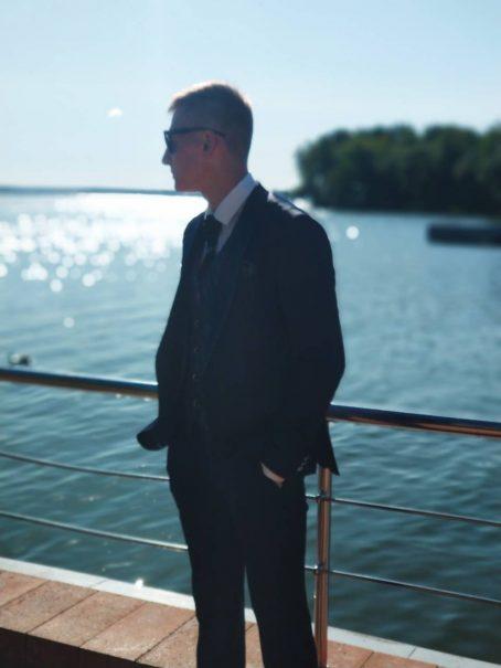 Элегантный мужской костюм-тройка