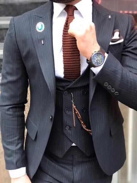 Мужской фактурный костюм на одну пуговицу