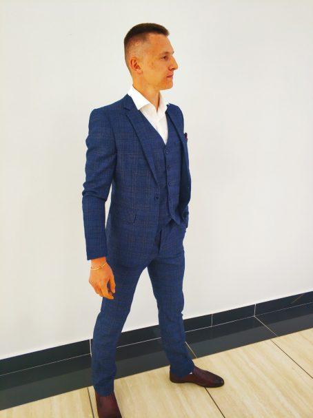 Фактурный твидовый мужской костюм-тройка синего цвета