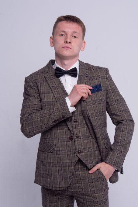 Мужской твидовый костюм-тройка в клетку