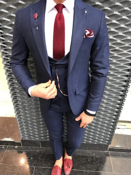 Приталенный костюм-тройка (синий)