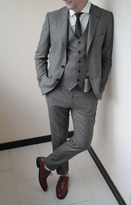 Мужской костюм-тройка из твида (цвет капучино)